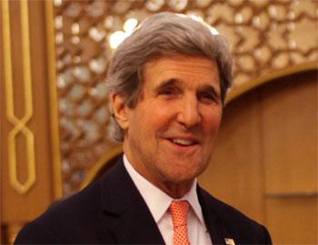 Le secrétaire d'Etat américain John Kerry a félicité la Tunisie pour sa nouvelle constitution postrévolutionnaire et a promis que son pays aidera