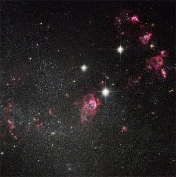 La vie est-elle possible en dehors de notre planète ? Existent-ils d'autres planètes habitées par des êtres vivants ? Autant de questions auxquelles les