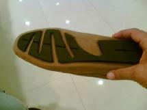 Le ministère du Commerce a publié un communiqué dans lequel il annonce la saisie de chaussures pour hommes