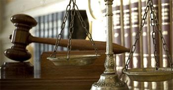 Le gouvernement tunisien devrait réintégrer dans leurs fonctions les juges révoqués arbitrairement le 28 mai 2012 par l'ancien ministre de la Justice