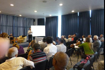 Parallèlement aux réunions à caractère pratique du dialogue national qui démarre lentement et à tâtons