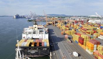 Les échanges commerciaux de la Tunisie avec l'extérieur aux prix courants ont atteint  au terme des sept mois de l'année 2012 les valeurs de 15575.5 MD en exportation et 21941.9 MD ...