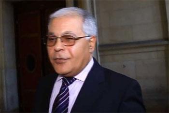 Mezri Haddad  a annoncé sur sa page facebook  qu'il a décidé de se retirer définitivement
