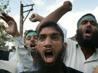 Trois salafistes ont agressé