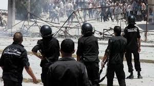 L'anarchie s'est installée dans la ville d'El Agareb dans le gouvernorat de Sfax. Des manifestants ont pris d'assaut un poste de la garde nationale