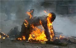 un jeune écolier âgé de 14 ans s'est immolé par le feu