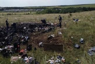 Les secouristes avaient retrouvé 251 corps et 86 fragments humains à la date de dimanche soir sur les lieux du crash du