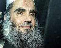 Répondant au message envoyé par Abou Iyadh aux savants du djihadisme pour arbitrer les différends entre les terroristes qui s'entretuent