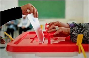 On a comme l'impression que les Tunisiens se rendent pour la première fois aux urnes pour élire leurs prochains Parlement et Président. C'est qu'ils font table rase des séries d'élections tenues avant le 14 janvier 2011 qui ne comptent pas et dont aucune leçon  ...