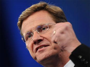Le ministre des Affaires étrangères Guido Westerwelle a rendu publique une déclaration dans laquelle il s'est déclaré « choqué par les tentatives