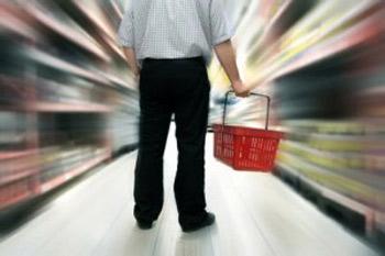 La grande distribution occupe une place centrale dans la société qui est une société de consommation