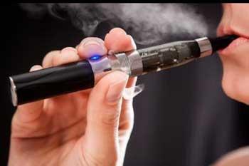 Entre tabac et cigarette électronique