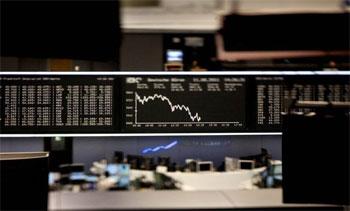 La Bourse de Tunis n'arrive pas toujours à retrouver des couleurs alors qu'elle est en train de se préparer à sa 8ème introduction en bourse de l'année 2013. Le volume quotidien moyen des transactions a chuté  à 2 millions ...