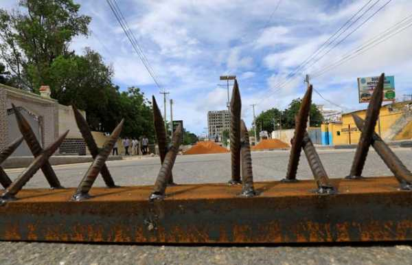 Forces opposed to Somali president control parts of capital