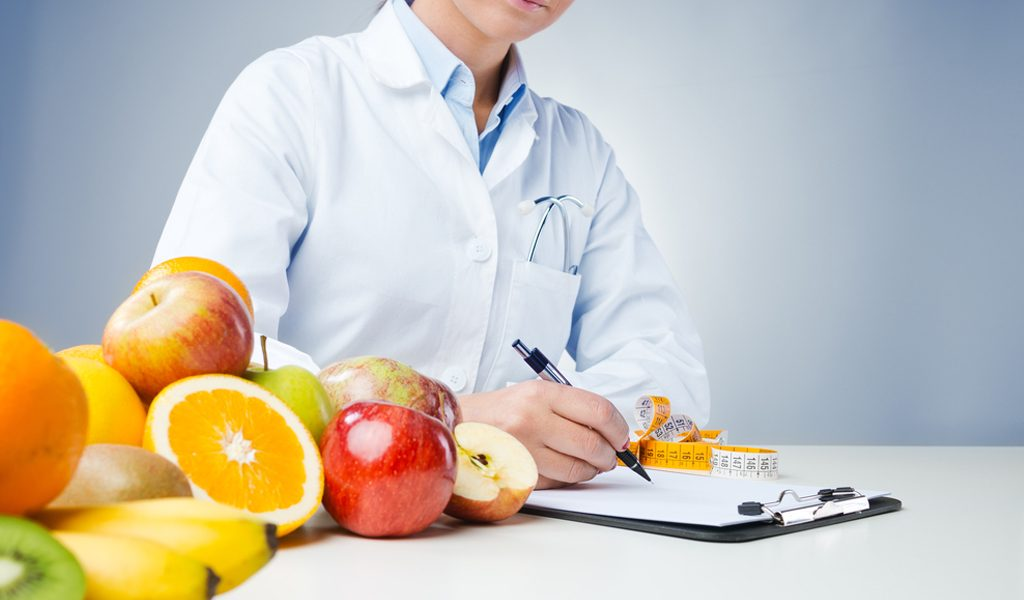 Tips-On-How-To-Find-An-Ideal-Nutritionist-1024x600
