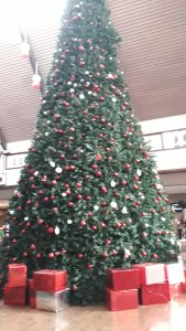 christmas tree at Accra moevenpick hotel