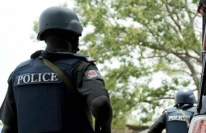 police officer arrest suspected armed robber kidnap suspects in enugu