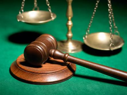 Witness slumps, dies before giving evidence in court