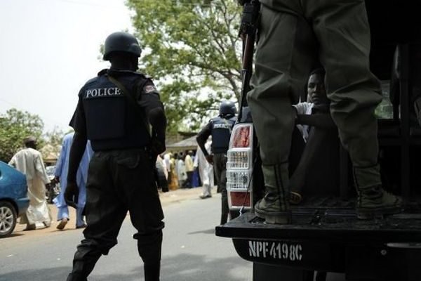 Policeman arrested while transporting bags Indian hemp in lagos