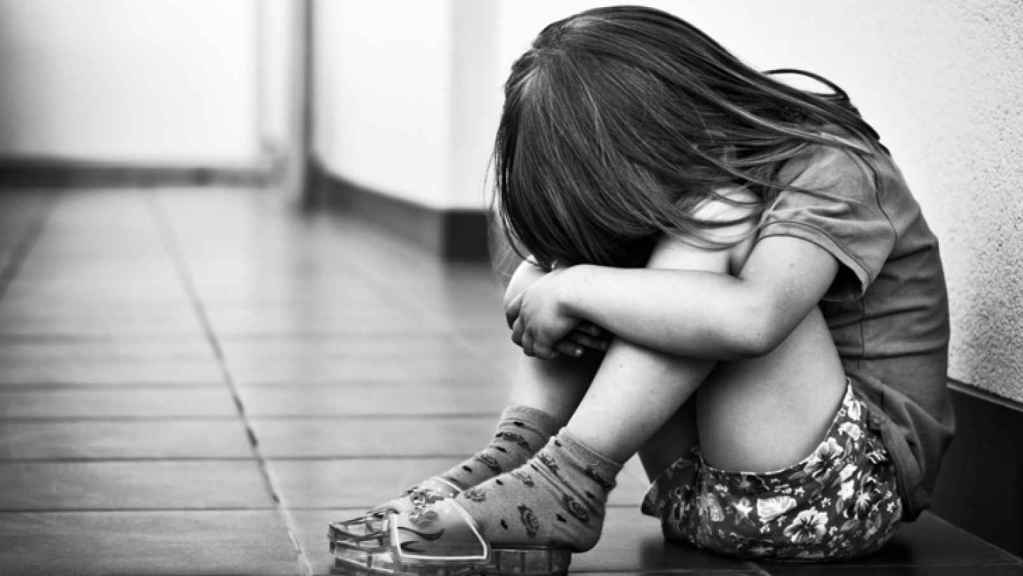 Shocking: Woman forces hot iron into niece's private part in Ekiti Man rapes 12-year-old girl, gives her 100naira to remain silent suya