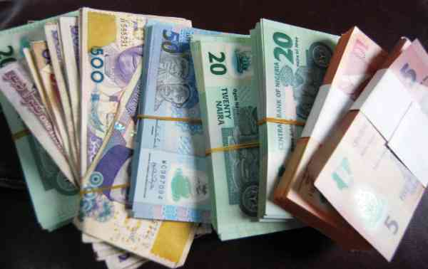 Thirteen women arrested for hawking Naira note in Port Harcourt