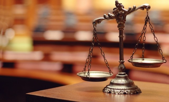 Convicted Robbers attack Journalists in court