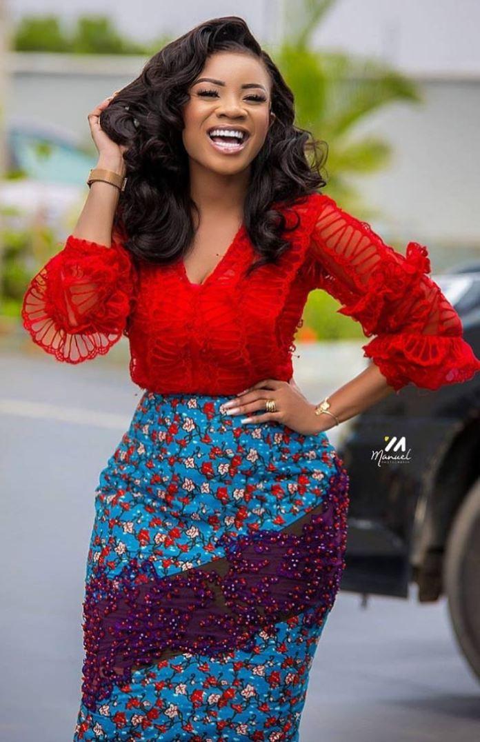 serwaa amihere in African print skirt