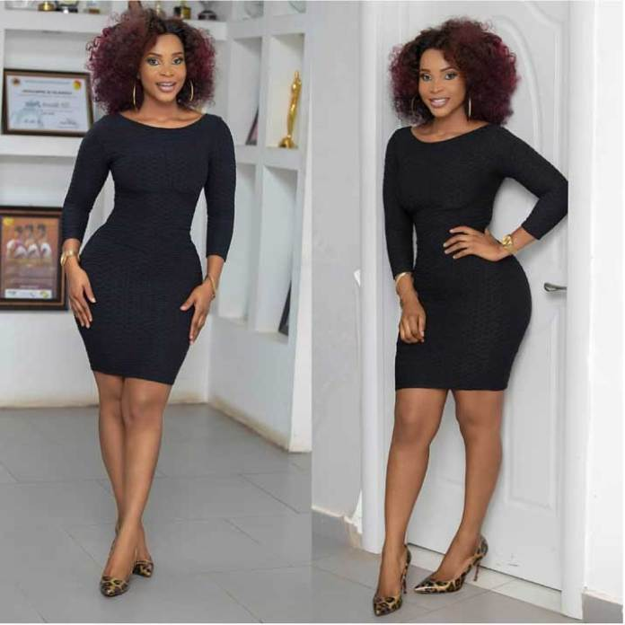 benedicta gafah shows curvy body