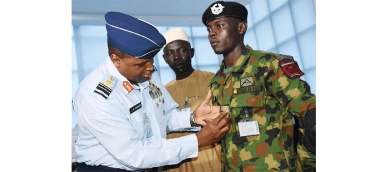Nigerian Air force Personnel Rewarded with Double Promotion for Returning Missing $41,000