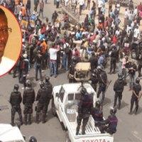 Sénégal: un étudiant tué et plusieurs blessés dans des heurts avec des policiers (ministre)
