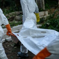 Ebola: 20 000 personnes menacées selon l'OMS