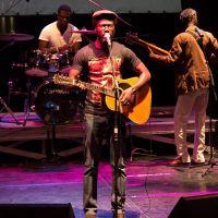 Africpost vous souhaite un bon début de week end – Sarro et Get sa feeling Live Institut Français de Dakar  …