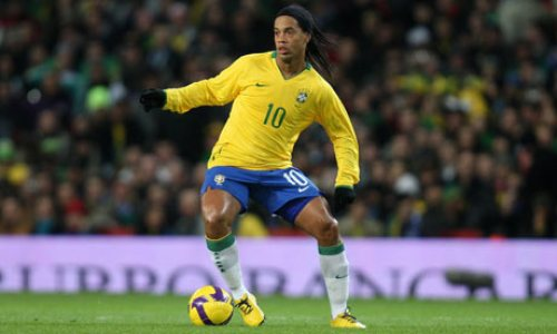 Ronaldinho-in-action-for--001