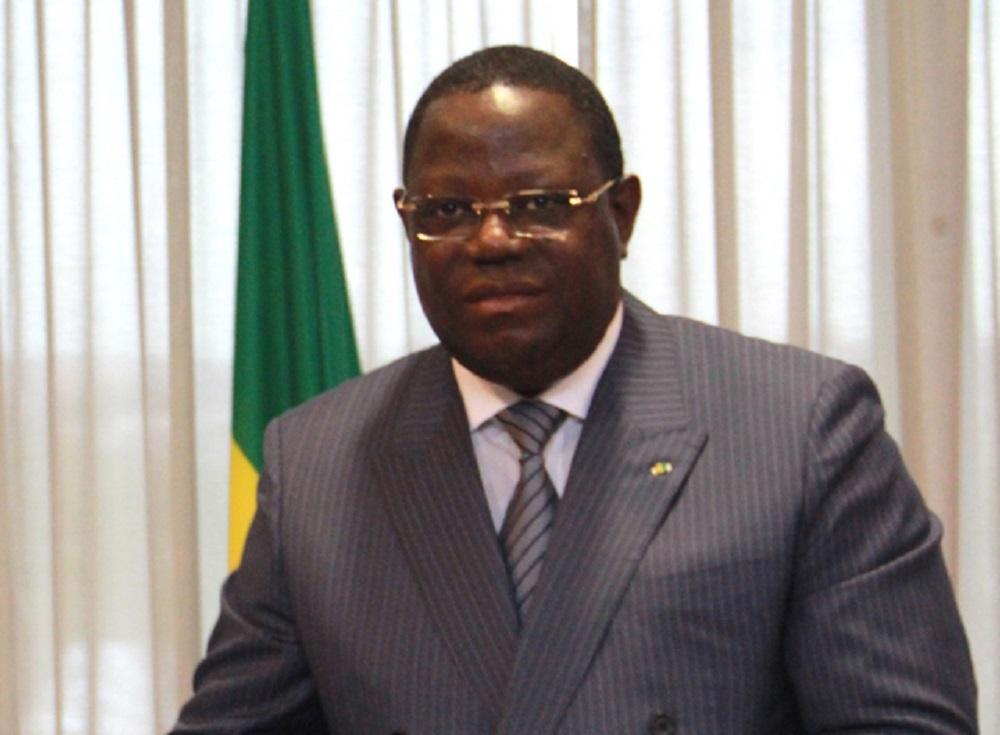 Emmanuel Issoze Ngondet reconduit à la tête du gouvernement — Gabon