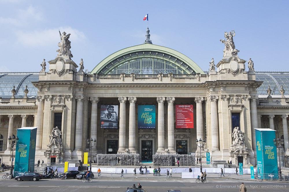 Paris : 200.000 euros de bijoux volés au Grand Palais