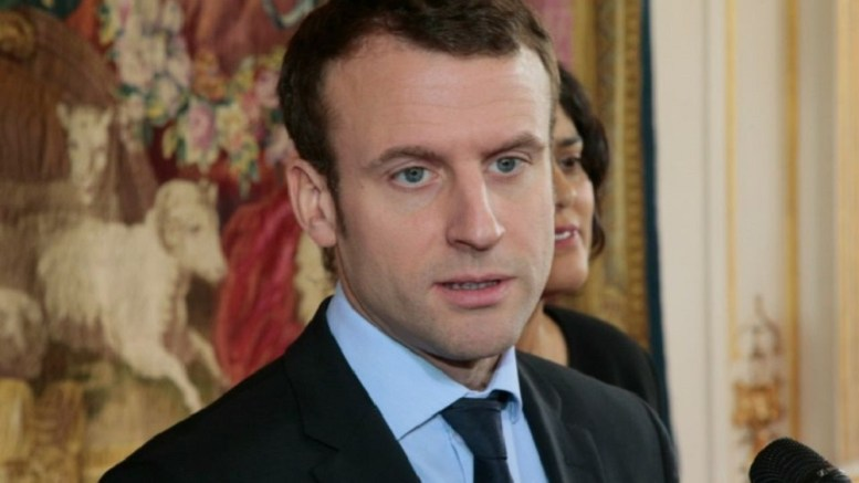 Emmanuel Macron interpellé