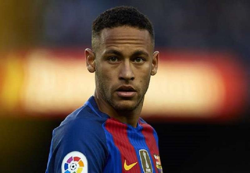 Neymar signe enfin son contrat avec le PSG