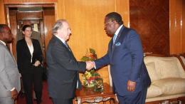 Emmanuel Issoze Ngondet et Juan Gabriel Valdès