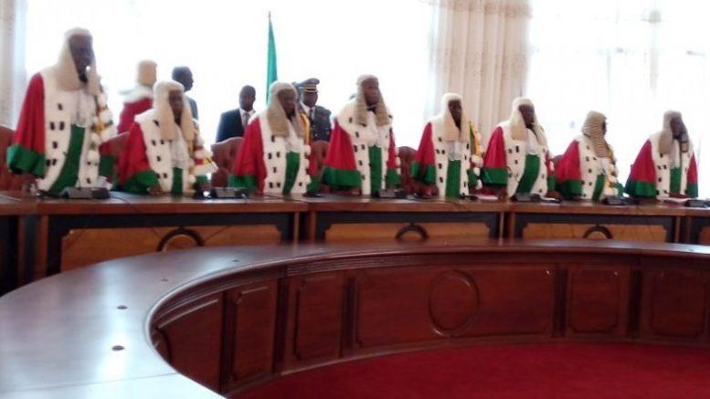 Les membres du conseil constitutionnel du Cameroun