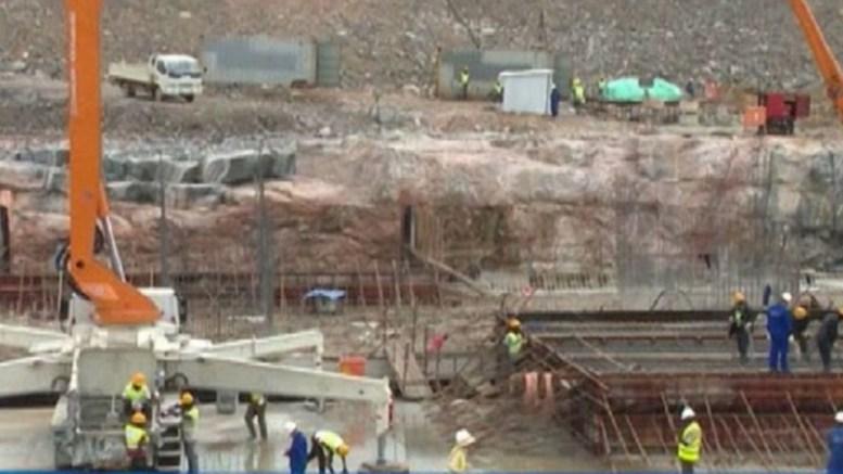 Construction de la centrale hydroélectrique de Singrobo-Ahouaty