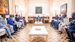 Ali Bongo Ondimba et les responsables de sécurité