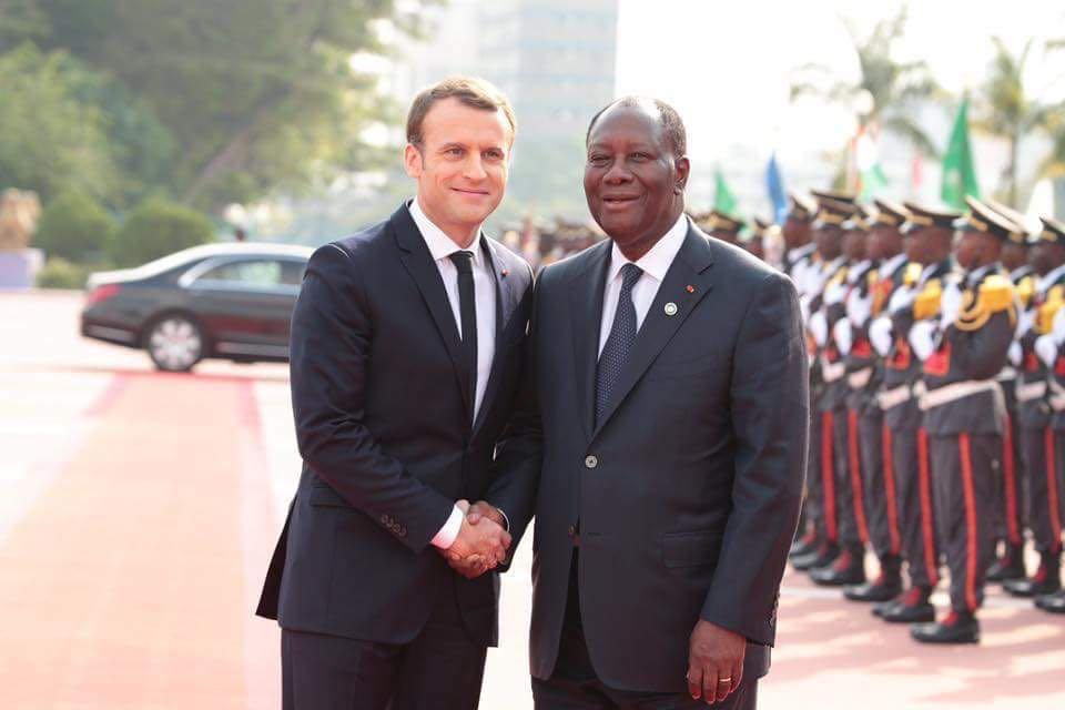 Ce coup de fil d'Emmanuel Macron à Alassane Ouattara sème la crainte au sein du gouvernement