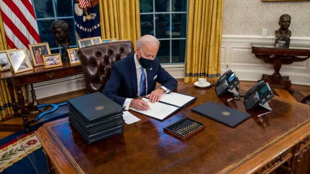 Joe Biden redécore le bureau ovale