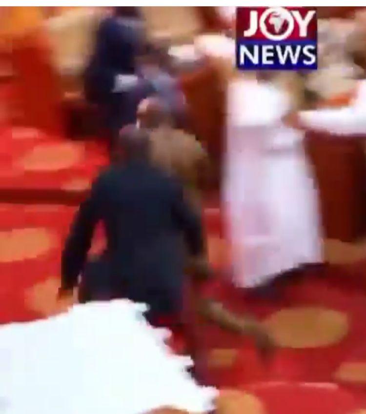 Ghana député fuyant