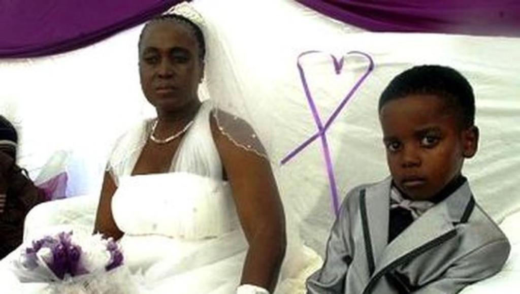 Mariage jeune et grand mère Afrique du Sud