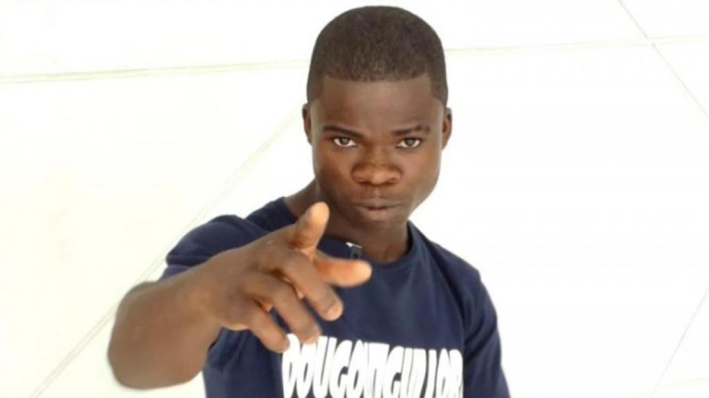 https://www.afriksoir.net/culture/lex-manager-de-dougoutigui-casse-les-papo-il-a-recu-27-millions-fcfa-pour-sa-ferme