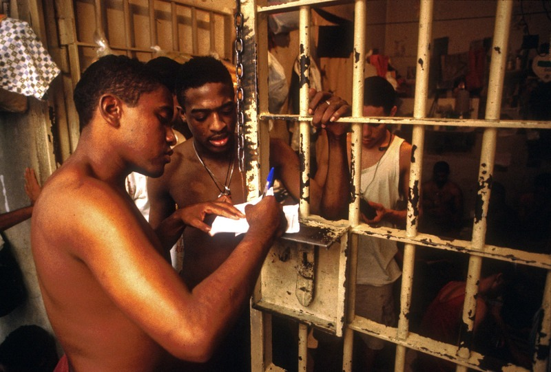 Brésil peine de prison réduite livre