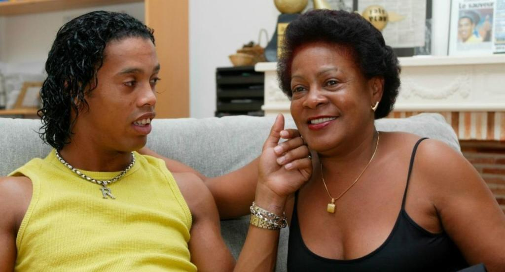 mère Ronaldinho covid-19