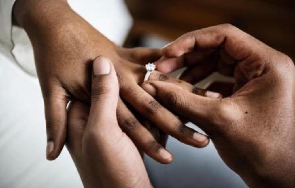 mariage alliance annulaire gauche