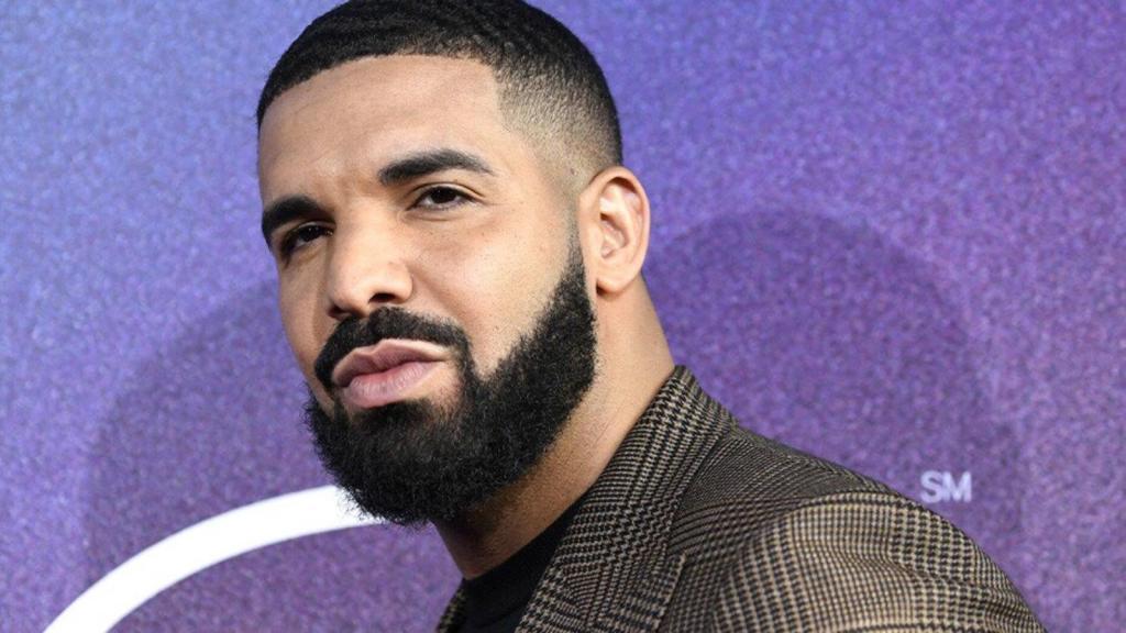 Drake intrusion maison femme armée police